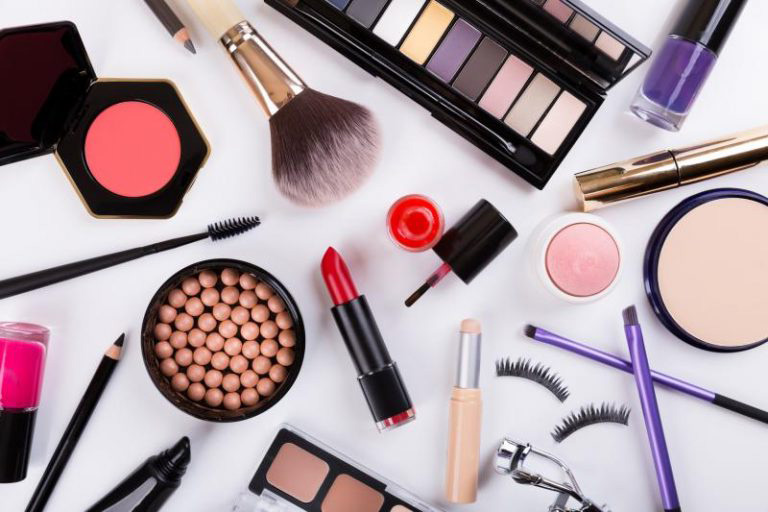 Слоган для косметики: варианты известных брендов